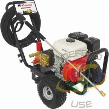 Gas-Powered Pressure Washers - Medium-Duty, 2500 PSI, 6.5 HP, Gas