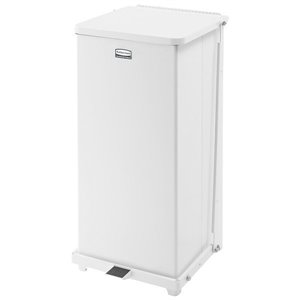RUBBERMAID, Defenders Step Can with Rigid Liner, Capacity: 13 US gal., Colour: White